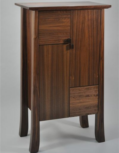Vardy cabinet