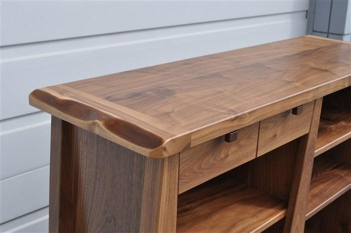 egger-laut bookcase-detail-custom furniture